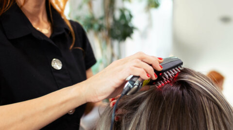 Using a laser comb for hair growth